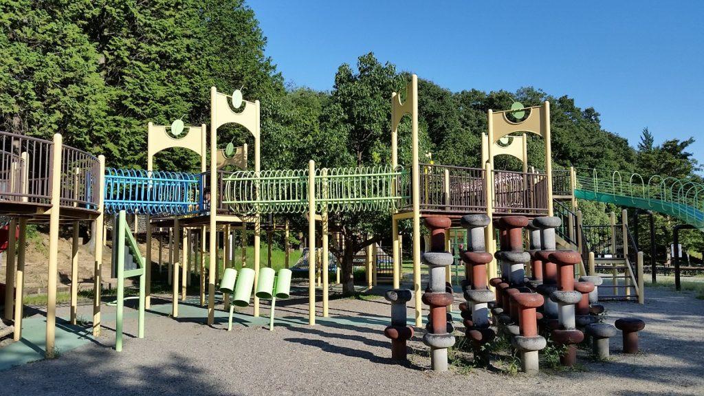 百年公園サイクリング近く児童用遊具