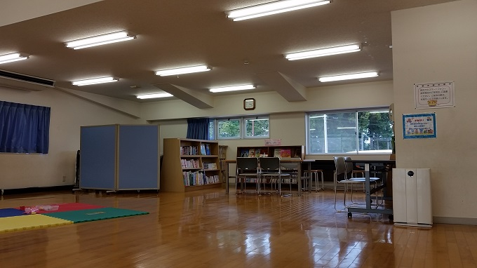 児童センター 図書スペース
