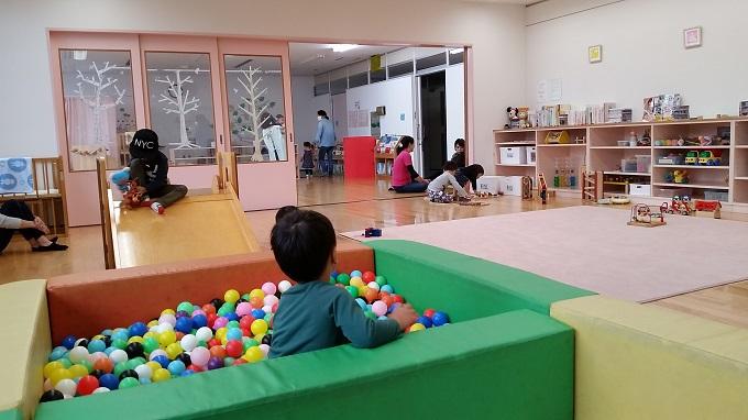 高富児童館 乳幼児遊戯室