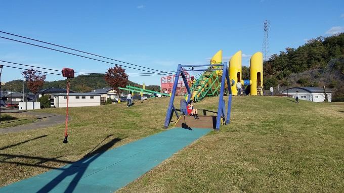 関市十六所公園 スライダーロープ