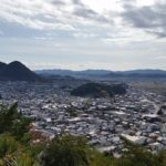 小倉山城跡や展望台があり秋は紅葉、春は桜が楽しめる小倉公園<美濃市>