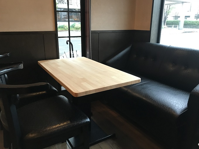 Dolce Vita 甘い生活 テーブル席