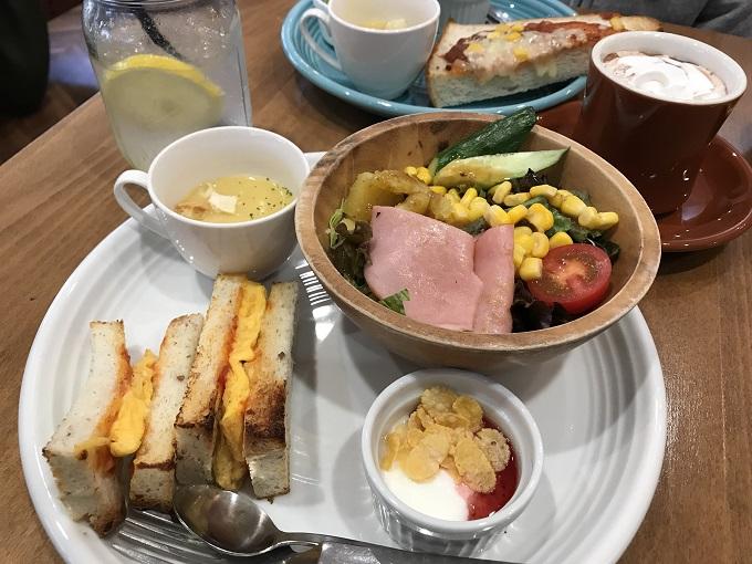 Cafe Cota chiot(カフェ コタシオ)大盛サラダ