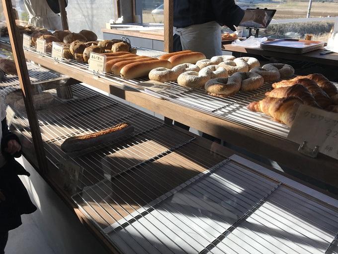 ベッカライ フジムラ<美濃加茂市> パンのショーケース