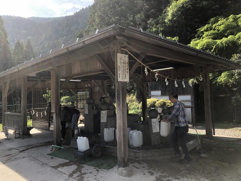 モネの池周辺観光スポット 高賀神水庵