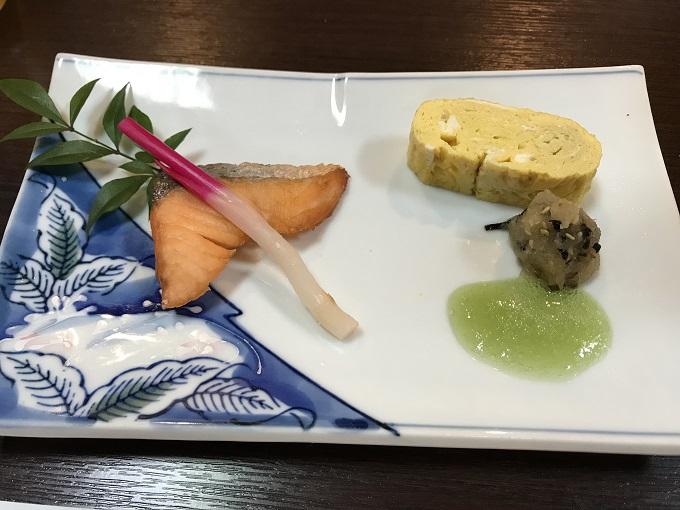 海鮮や じゅらく 鮭の薄板焼き