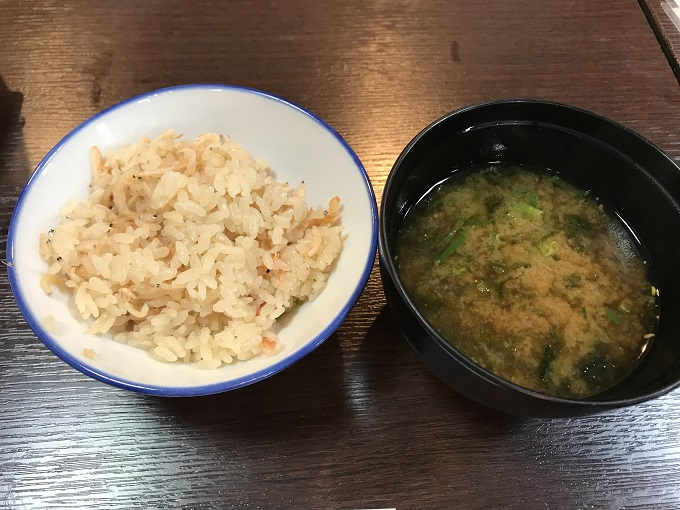 海鮮や じゅらく 桜海老の炊き込みごはん
