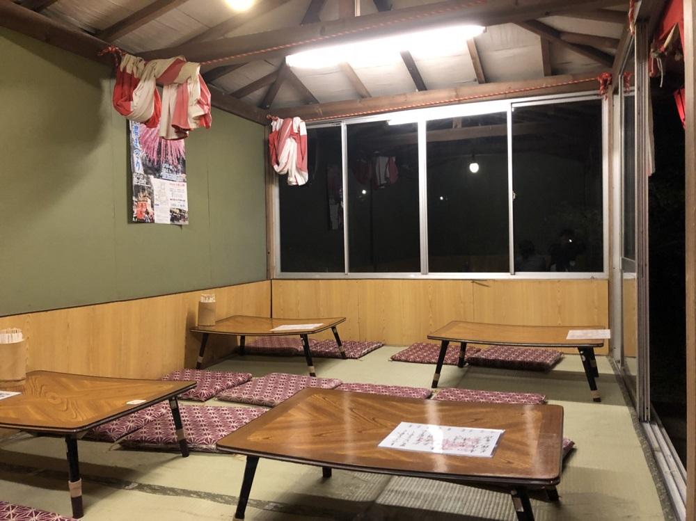 小倉公園の桜 季節限定茶屋 店内