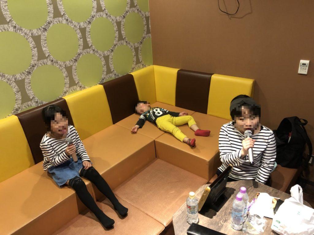 ジャパンレンタカー岐阜関店 カラオケ 部屋の雰囲気