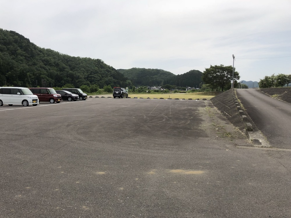 谷口水辺公園 西側駐車場