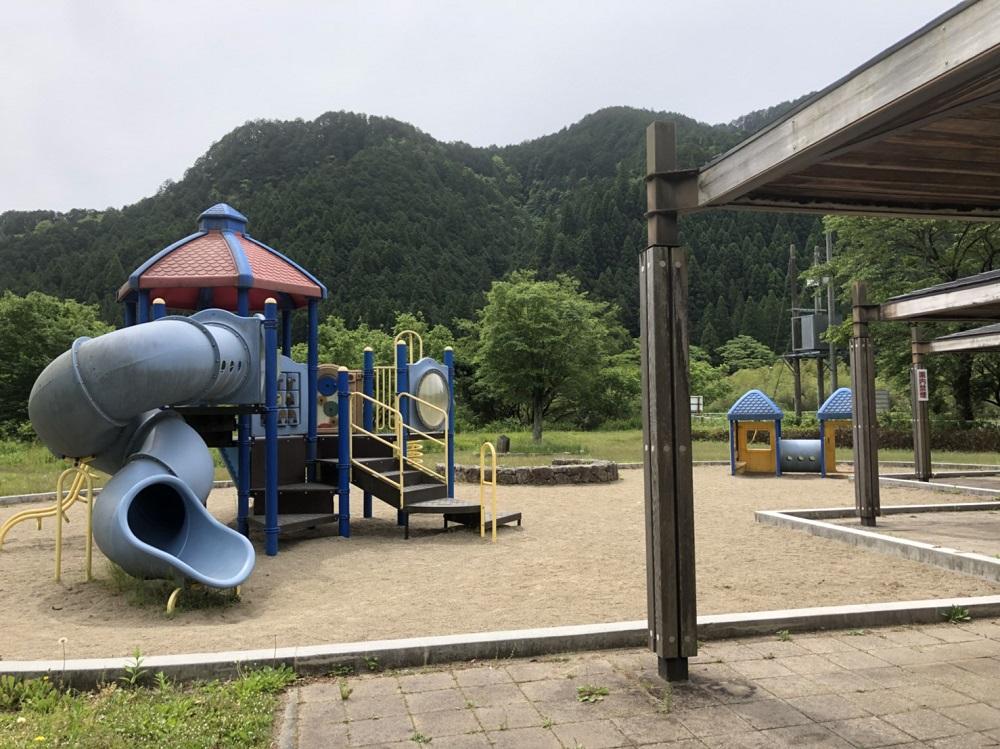 関市洞戸運動公園 遊具