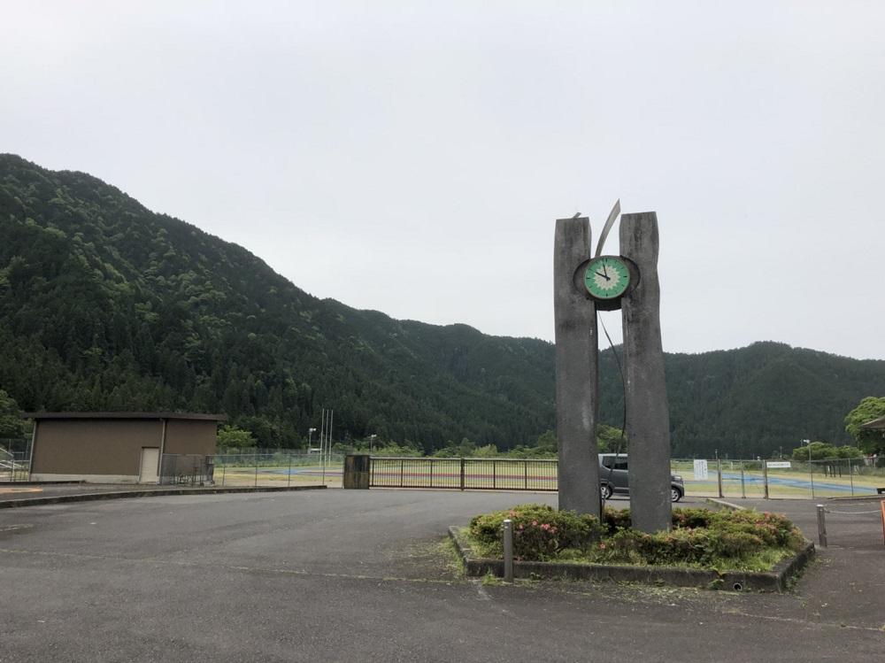 関市洞戸運動公園 駐車場