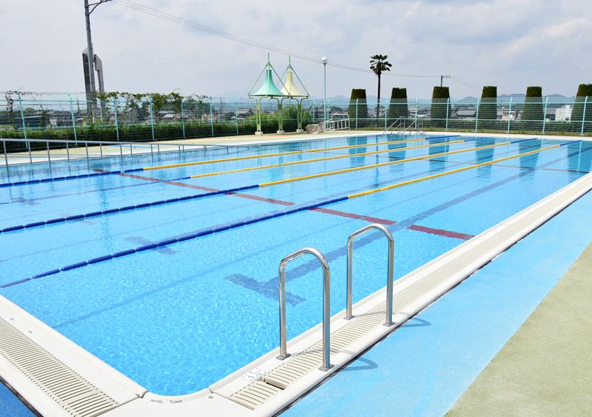 坂祝町民ふれあいプールの流れるプール