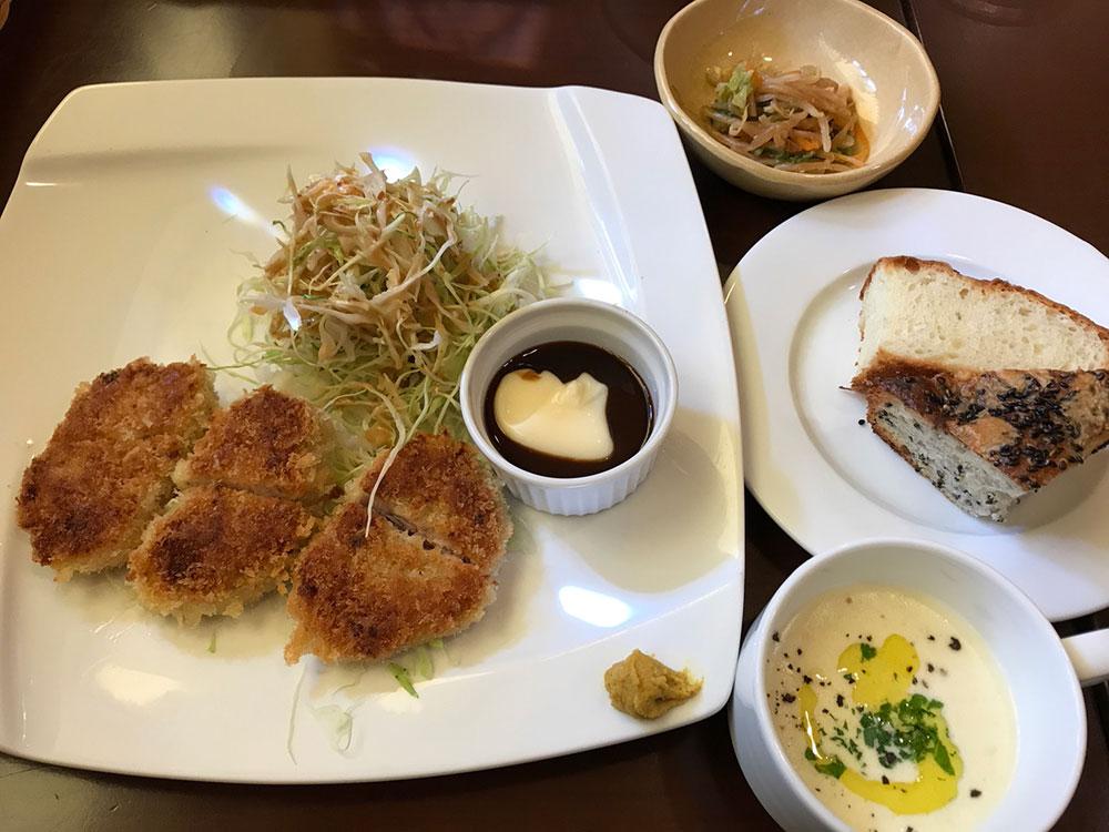 キッチングラートの洋食ランチ 焼きとんかつ ヒレ