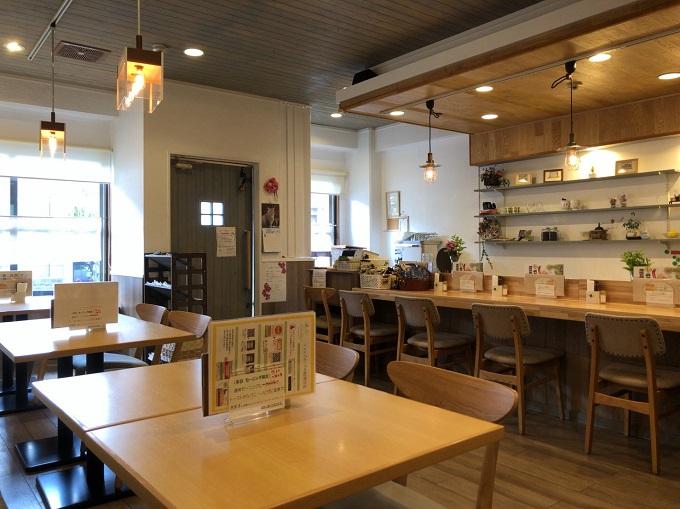 カフェ リモーネの店内