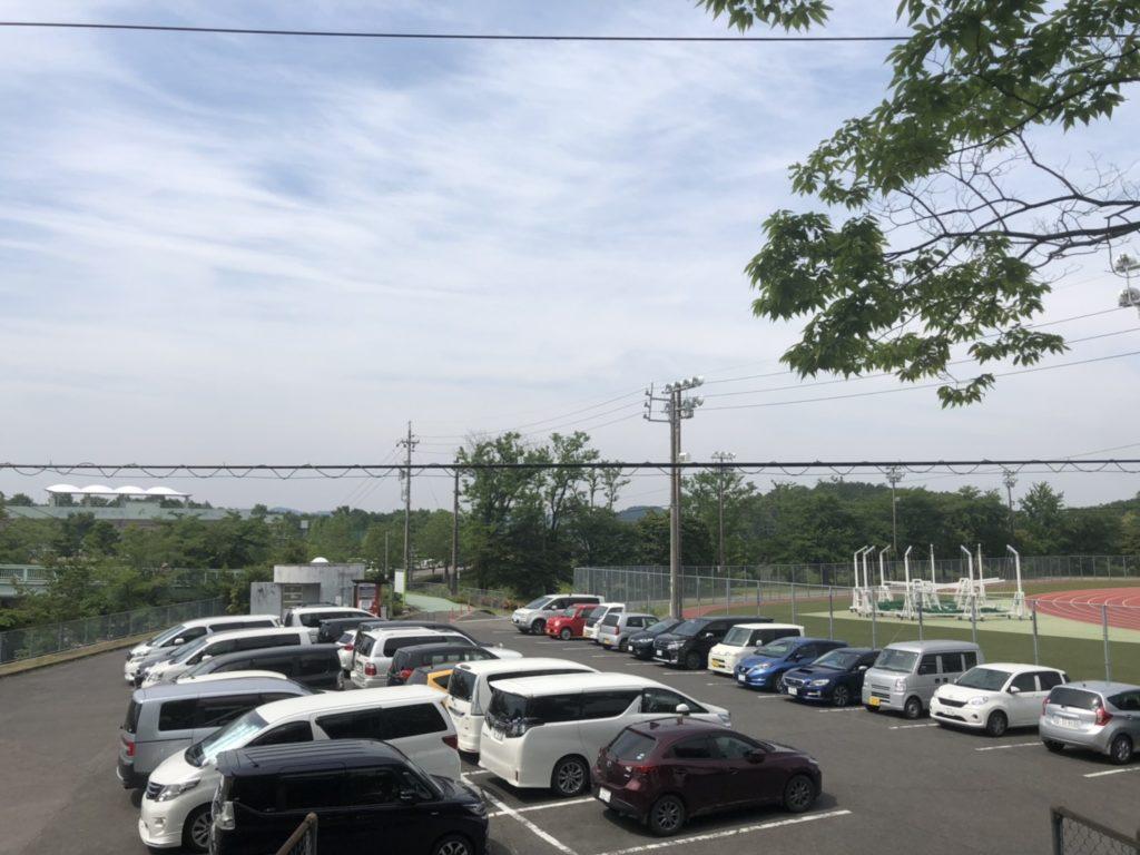 中池公園の陸上競技場横駐車場