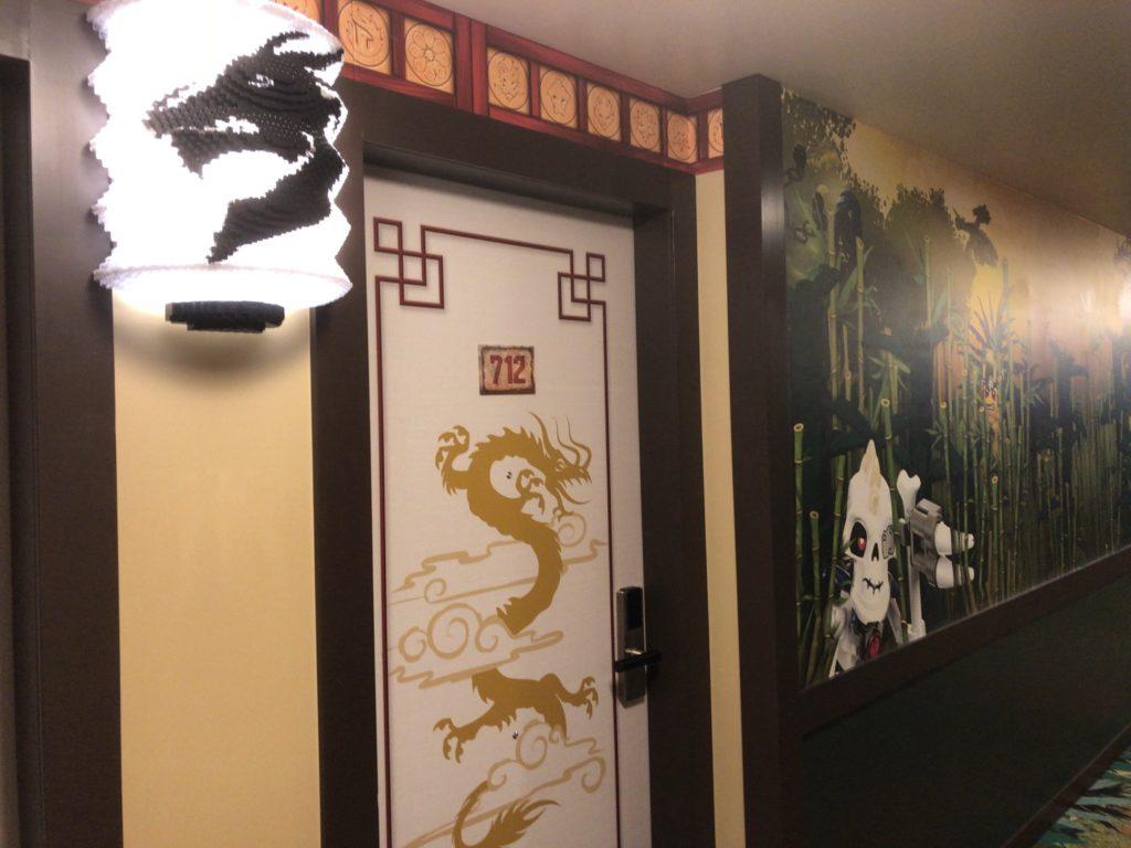レゴランドホテルのレゴニンジャゴーのお部屋の入り口