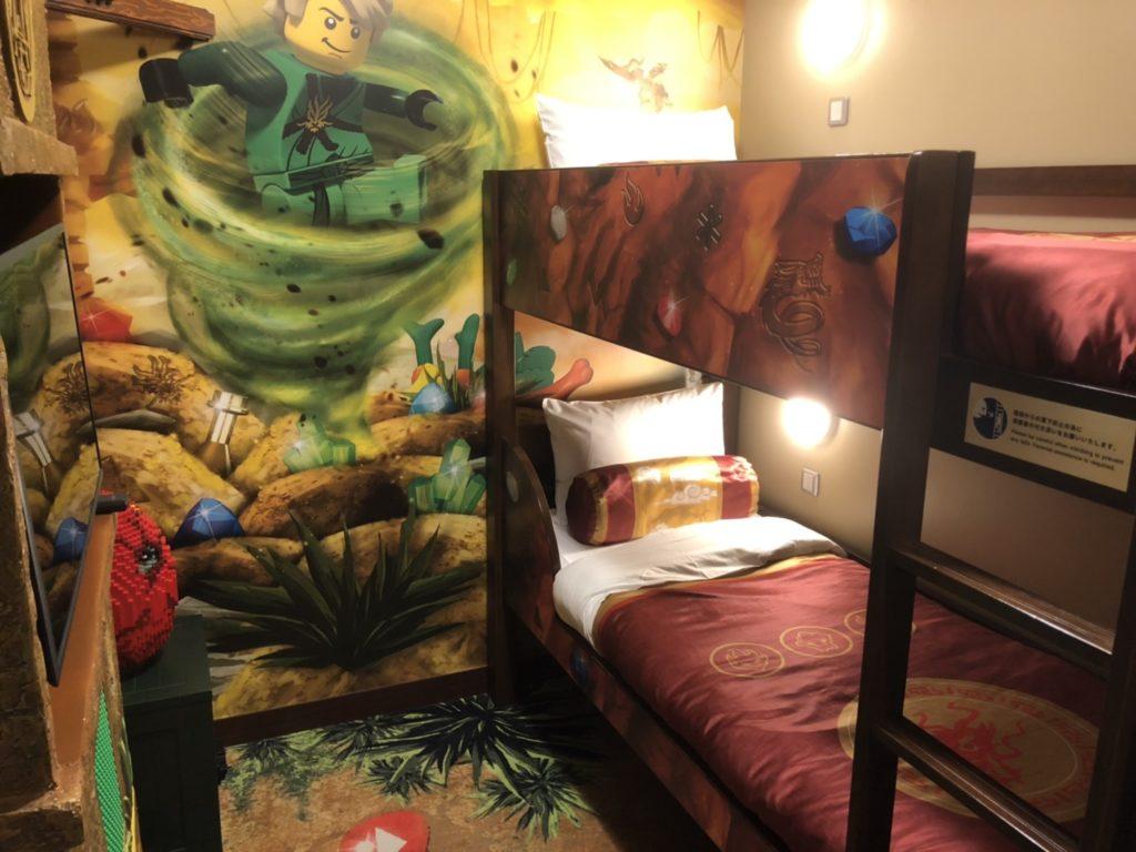 レゴランドホテルのレゴニンジャゴーのお部屋のこども用2段ベット