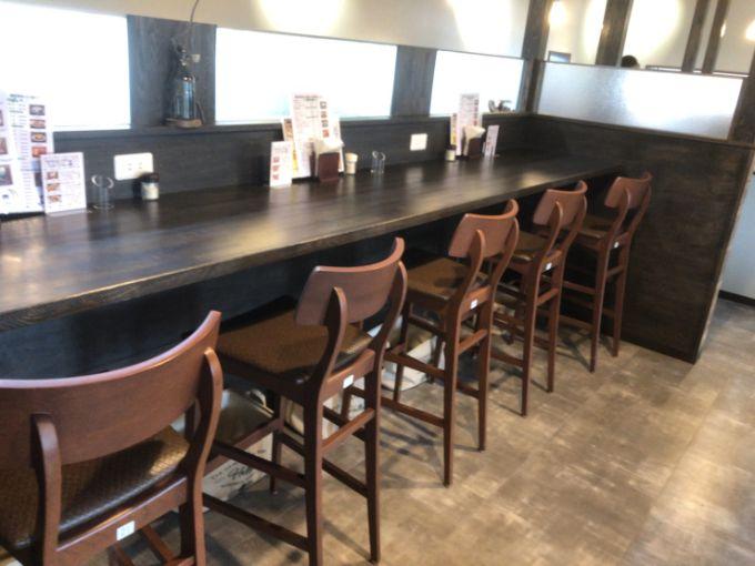 MOON-GA CAFEのカウンター席