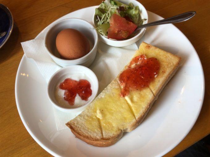 苺のジャムトースト
