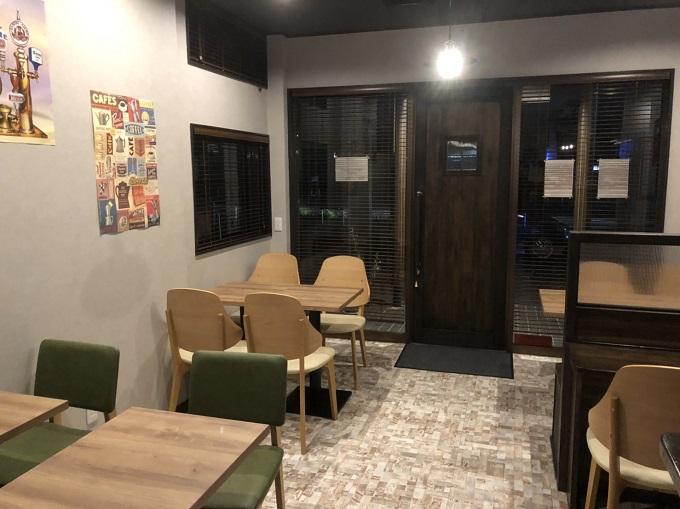 カフェ&バー PIENITORI(ピエニトリ)の店内入り口