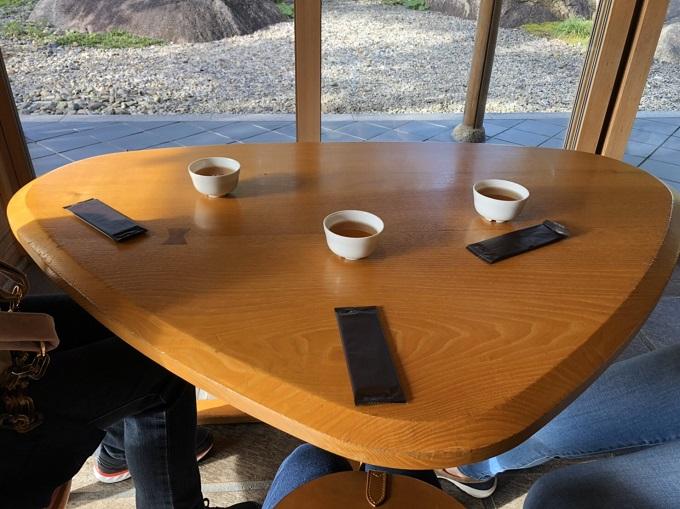 恵那寿や 観音寺店のテーブル