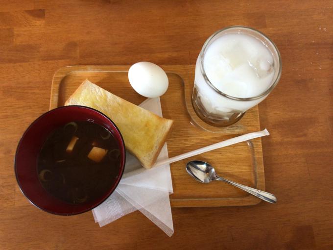 喫茶PUCHI(プチ)のバターモーニング