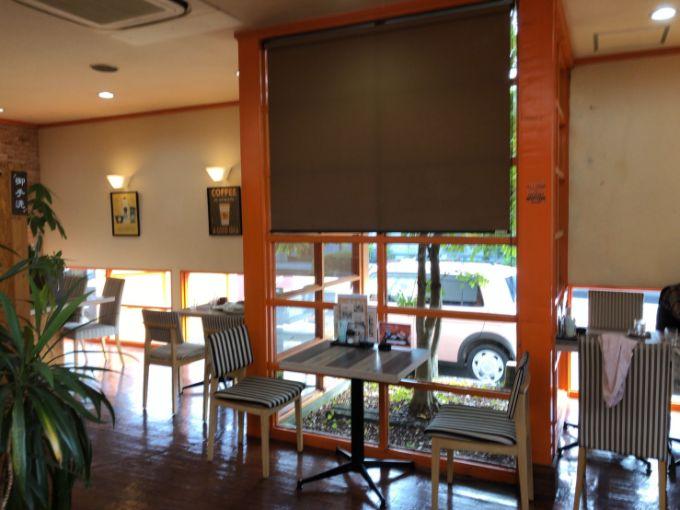 cafe LoCo(ロコ)の店内