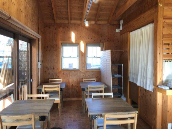 農園ごはんカフェちぼりの店内