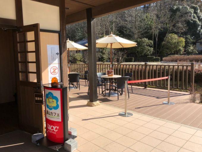 里山カフェのテラス席