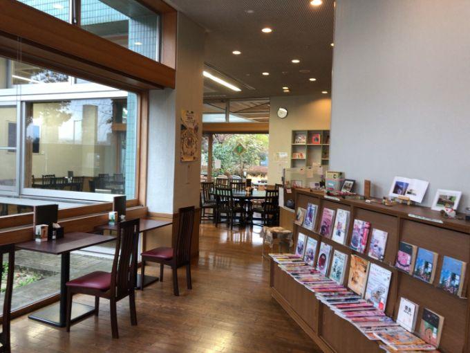 カフェ ほんわかの店内