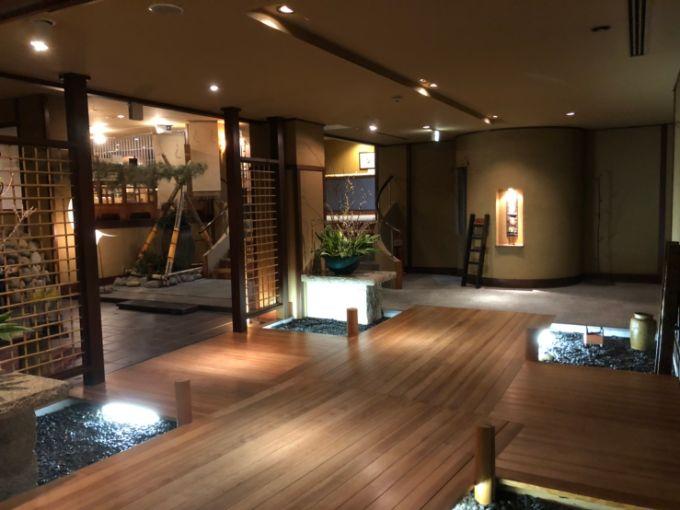 下呂観光ホテル本館のエントランス