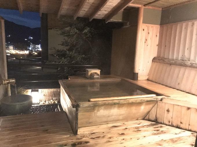 下呂観光ホテルの日の檜の湯