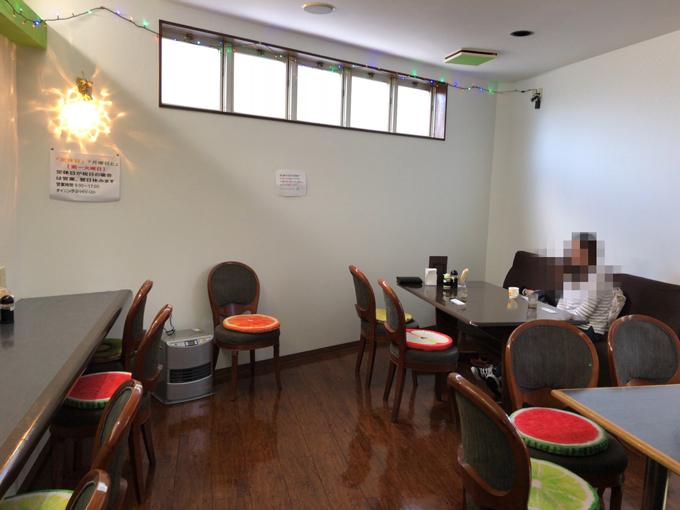 Dining ぷっくりの店内 テーブル席