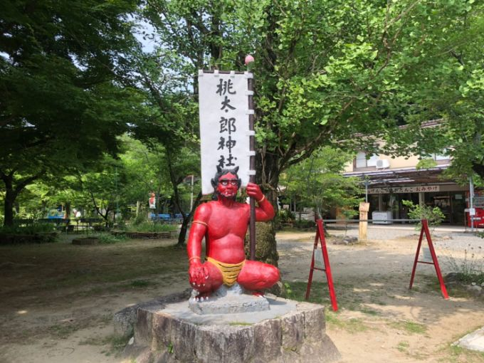 桃太郎神社の鬼