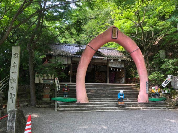 桃太郎神社の境内