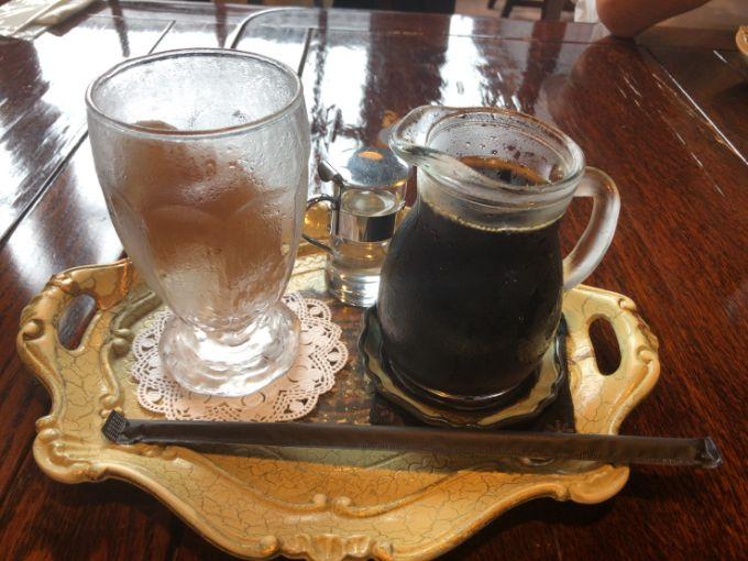 カフェアダチのアイスコーヒー
