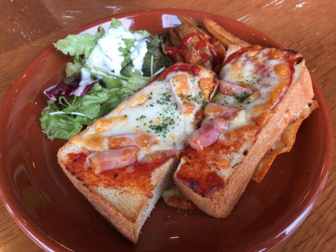 トナカフェのピザトーストモーニング