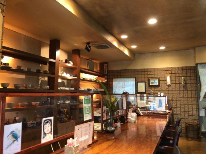 珈琲家 茶倉(さくら)のカウンター