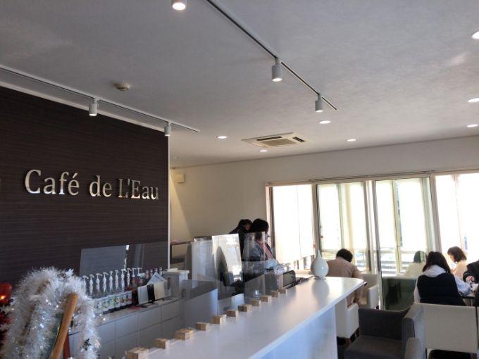 Cafe de L'Eau(カフェドロウ)の店内