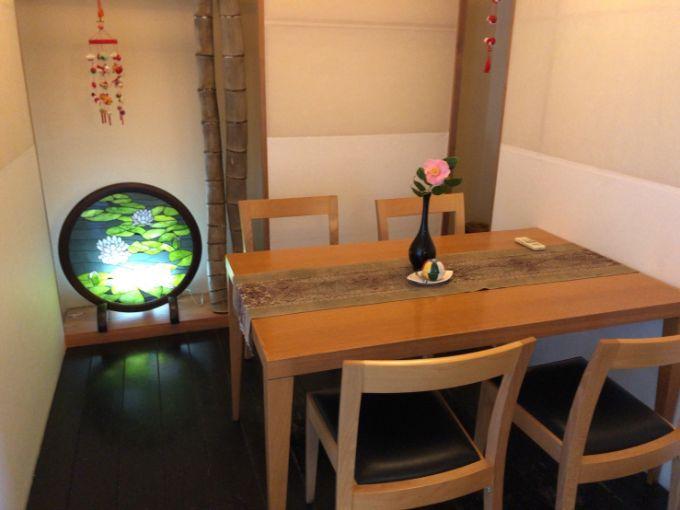 珈琲 花の個室風テーブル席