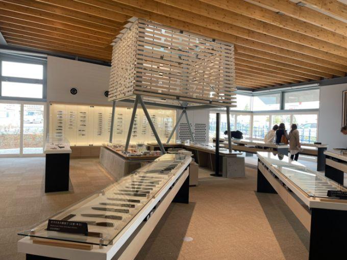 刃物会館の展示販売スペース