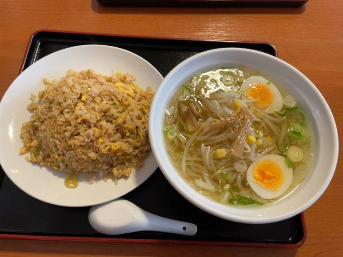 台湾料理 四季紅のラーメンセット