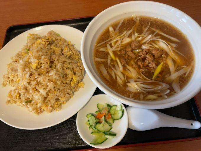 台湾味噌らーめんと炒飯